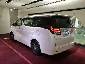 640px-Toyota_alphard_rear