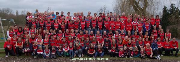 groepsfoto 30 jaar Joggingclub Leeuwerik (dubbelklik op foto voor groot formaat)