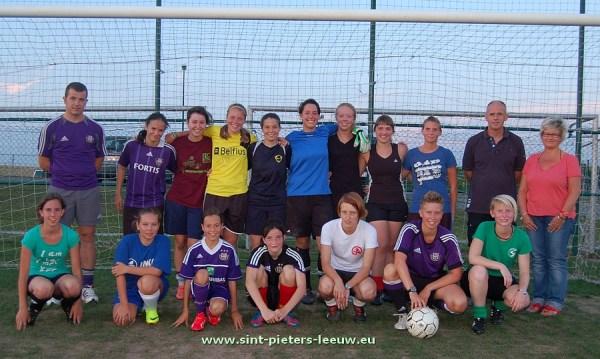 2013-08-05-eerste-training-vrouwenploegen_SK_Leeuw_01