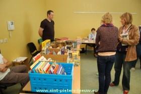 2013-10-27-boeken-spelletjes_verkoop_04