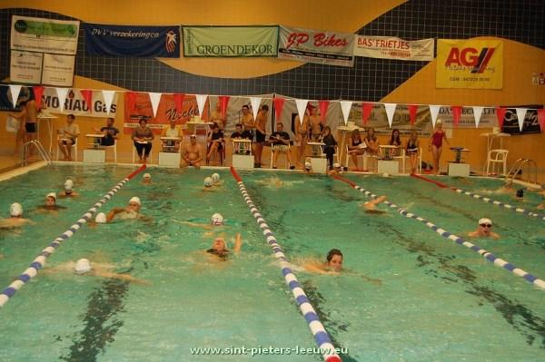 2013-11-22-zwemmarathon_vrijdagavond