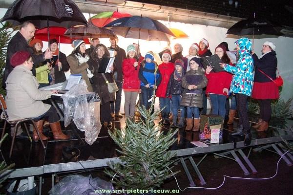 2013-12-27-kerstkorrida_kerstdorp (01)