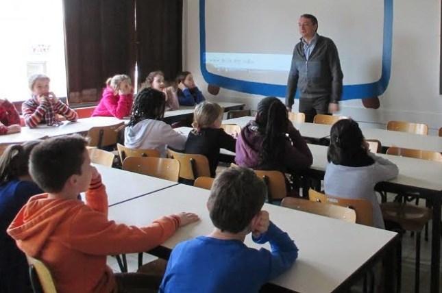 2014-02-28-Don-Bosco_Sint-Pieters-Leeuw_steunt_Damiaanactie_00