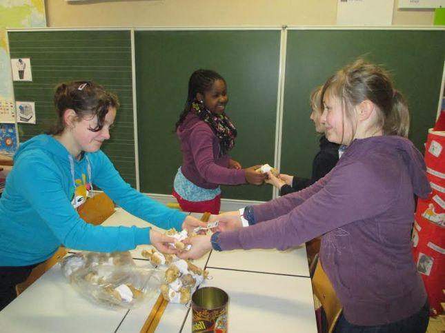 2014-02-28-Don-Bosco_Sint-Pieters-Leeuw_steunt_Damiaanactie_03