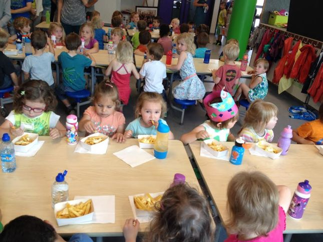 2014-06-11-50ste-schoolfeest_frietjes_01