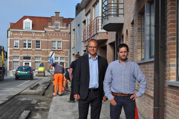 2014-08-12-werken-Vlezenbeek-Dorp