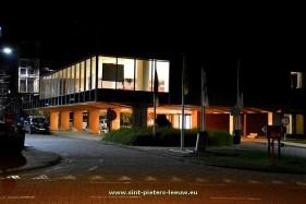 2016-03-03-gemeentehuis_Sint-Pieters-Leeuw_nacht