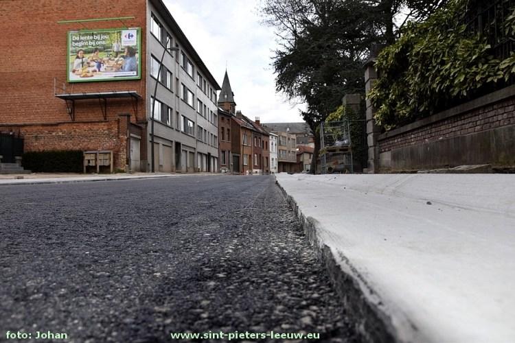 2017-03-17-asfaltering_onderlaag_Karel-Gilsonstraat (11)