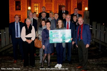 2018-01-11-cheques_serviceclub-fifty-one_03