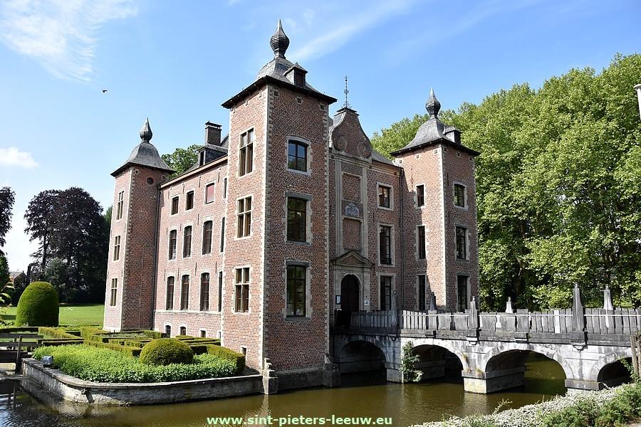 colomakasteel in Sint-Pieters-Leeuw