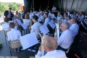 17de stoepmarkt met optreden Koninklijke Muziekvereniging St-Cecilia uit Sint-Pieters-Leeuw