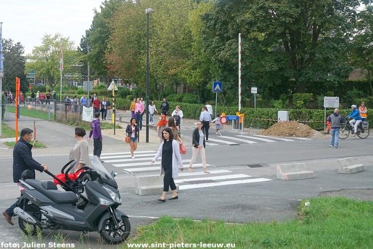 2018-09-03-1ste-schooldag-autovrije-Mekingenweg (14)