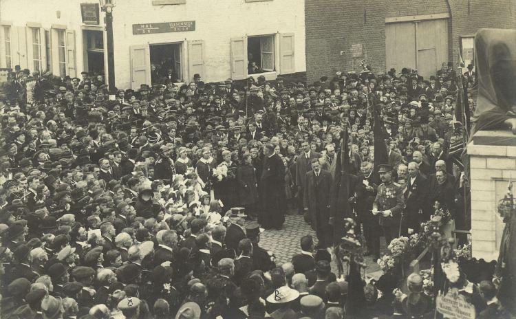 inhuldiging standbeeld Rink jaren '30