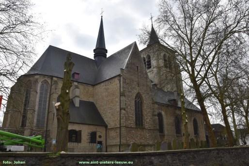 2019-03-26-rooien-bomen-aan-kerk (3)