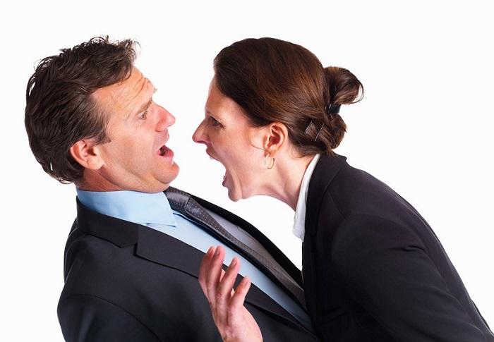 LOS ACTOS DE HOSTILIDAD: El acto de violencia o el faltamiento grave de palabra en agravio del trabajador o de su familia
