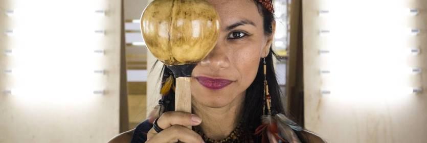 Pelos direitos da mulher indígena no Brasil