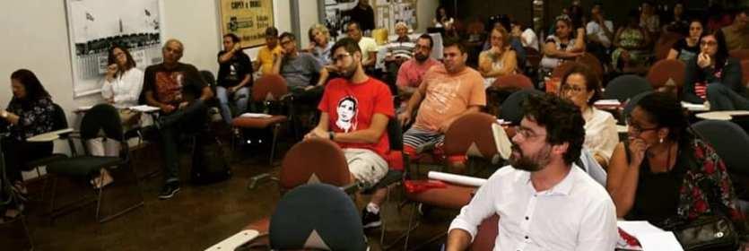 Debate: Ataques à rede e à educação pública