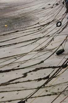 Marée basse (16 septembre 2012) - Une photo mi-figurative mi-abstraite, un peu mélancolique, avec un cadrage vertical comme je les aime bien!