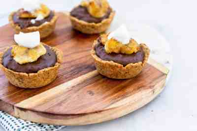 Vegan Chocolate Banana Tarts | Sip and Spice