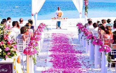Wedding help: How to keep a wedding reception small