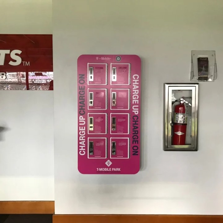 t mobile park cell phone charging stations