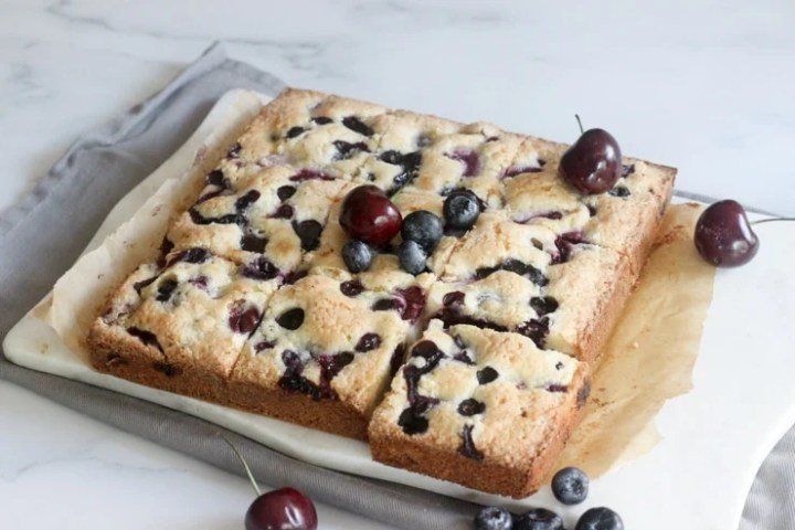 berry cake bars with cherries with pits