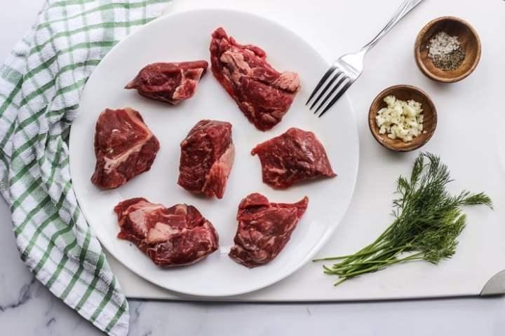 ingredients to make sous vide beef kebabs