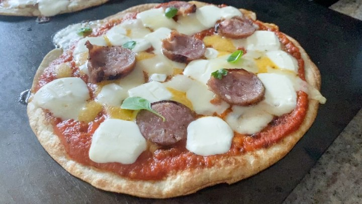 tortilla pizza with chicken sausage