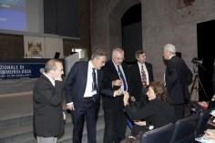 Il congresso sta per iniziare: a sinistra Yori Gidron, David Lazzari, Tullio Giraldi discutono con Marina Risi, mentre a destra Stan Maes parla con Francesco Bottaccioli