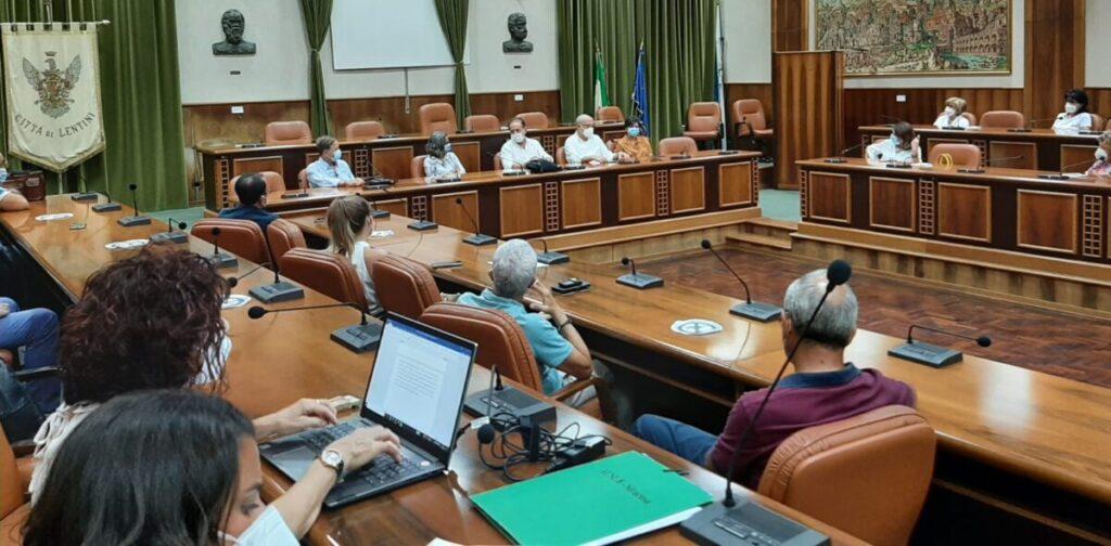Asp, incremento vaccinale anticovid: riunione operativa con i Sindaci di  Lentini, Carlentini, Francofonte | SiracusaPress