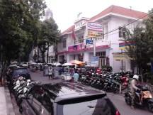 Jl. Pasar Baru Selatan yang juga bernuansa vintage