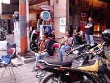Aksi pemusik jalanan