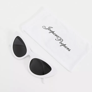 Jeepers Peepers cat eye sunglasses in white