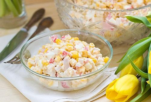 Салат с крабовыми палочками – Простые и вкусные рецепты с фото