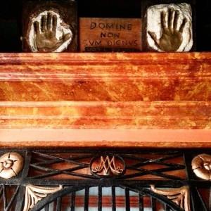 Venezia: Sotoportego de la Madona Shrine