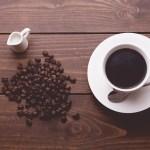 コーヒー豆とコーヒー_カフェインレス