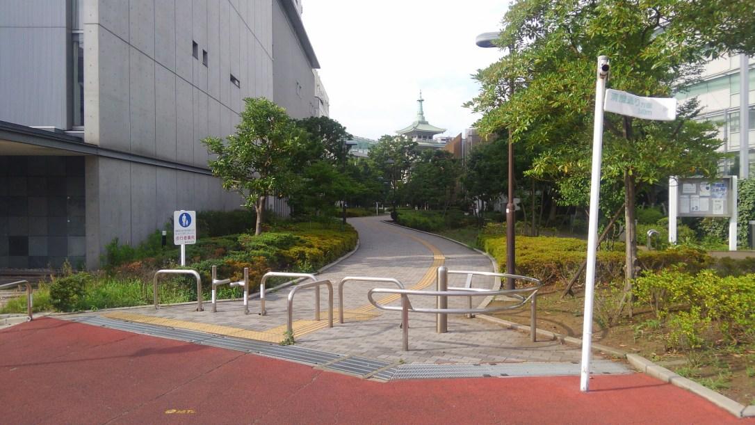 江戸東京博物館横の緑道_分岐