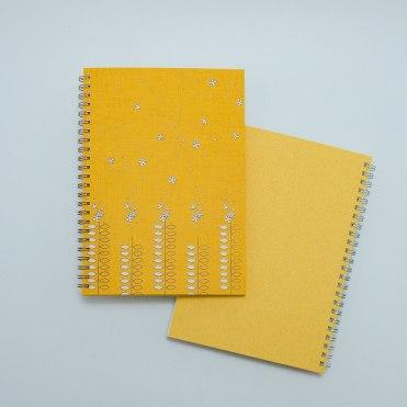 こだわりのリングノート。私だけのオリジナルデザインノート。たびだち・橙色。