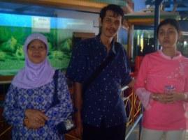 Bersama Ibu dan Santi