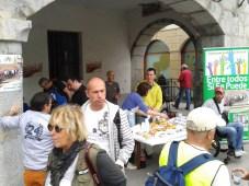 Plaza Constitución. Gente rodeándonos