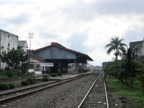 stasiun bag belakang