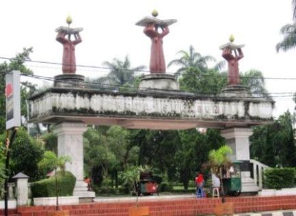 Gerbang alun-alun Sukabumi