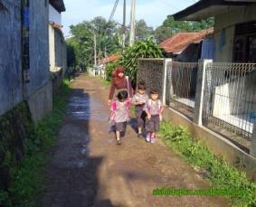 Anak-anak yg giat bersekolah