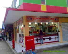 salah satu toko yg sudah buka pagi hari