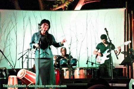 Kemala Ayu on stage.