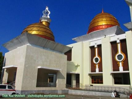 Sisi kanan Masjid Agung Sukabumi.