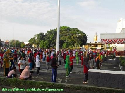 Senam pagi di Lapang Merdeka