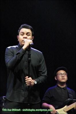 Tulus on stage_1