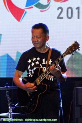 Ireng Maulana tetap maestro jazz.