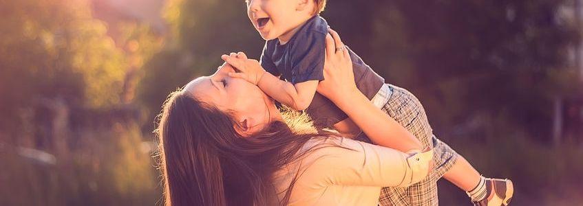 Conoce los nuevos apoyos para madres solteras por $90 MIL pesos